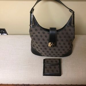 Dooney and Bourke Hobo womens purse and wallet